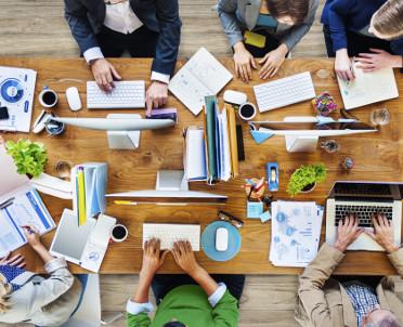 articleImage: Innowacje pracownicze w dużej firmie – to się jednak może udać
