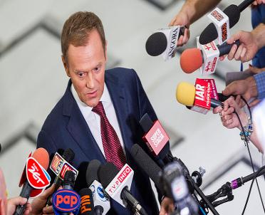articleImage: Tusk: polski rząd wyłamuje się z europejskiej solidarności; będą konsekwencje
