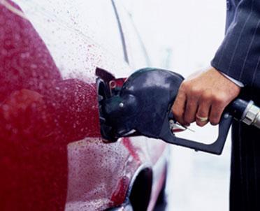articleImage: Pracodawcy RP: nie stać nas na podwyżkę opłaty paliwowej