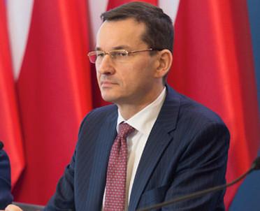 articleImage: Premier chwali profesjonalizm większości sędziów