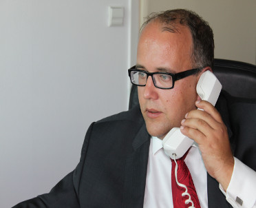 articleImage: Generalny Inspektor na tropie oszustów sms-owych, tajnego monitoringu i apostatów