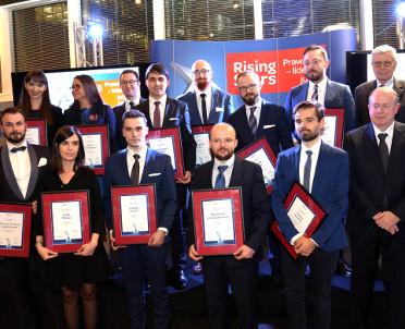 articleImage: Rising Stars - kolejni prawnicy jutra nagrodzeni