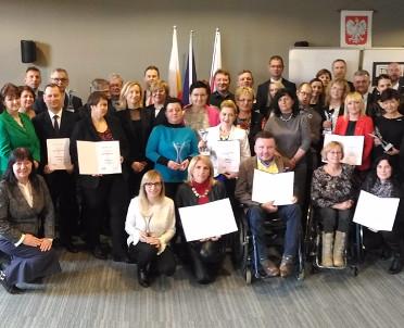 articleImage: Wzrasta świadomość samorządów o problemach niepełnosprawnych