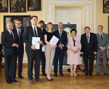 articleImage: Książki Wolters Kluwer Polska nagrodzone w tegorocznym Konkursie