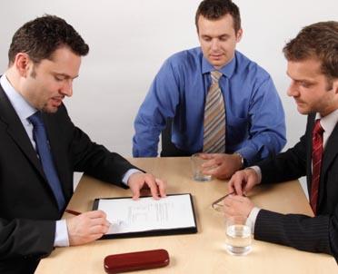 articleImage: Zdolności interpersonalne wciąż kluczowe w pracy prawnika