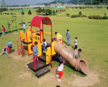 articleImage: WSA: ogrodzenie placu zabaw nie zawsze wyznacza jego granicę