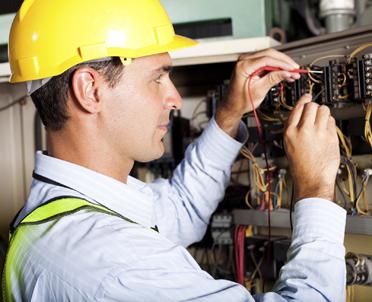 articleImage: Jak często trzeba robić przegląd elektrycznych urządzeń grzewczych?