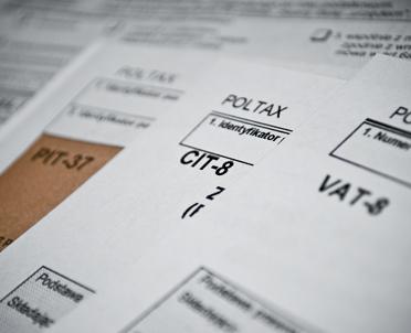 articleImage: Kiedy występuje obowiązek złożenia deklaracji VAT-8, a kiedy VAT-9M?